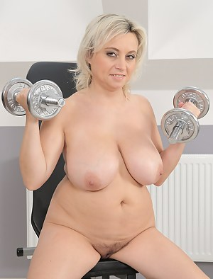 Free Moms Gym Porn Pictures