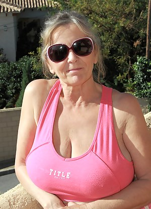 Free Moms T-Shirt Porn Pictures