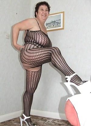 Free Moms Lingerie Porn Pictures