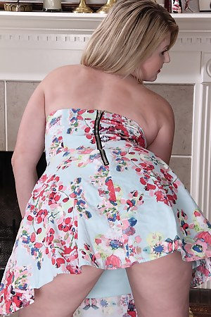 Free Moms Dress Porn Pictures
