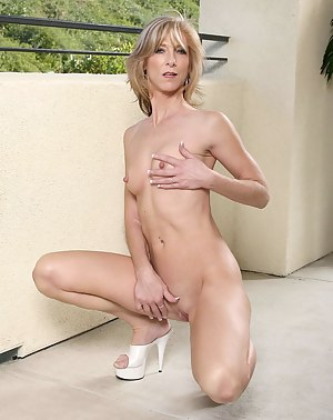 Free Moms Solo Porn Pictures